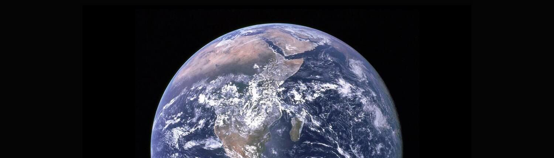 Fotografía de la tierra vista desde el espacio